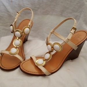 Kate Spade wedge sandals 7 M ivory t-strap buttons